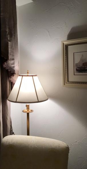 健康な塗り壁材ダイアトーマスの例:照明